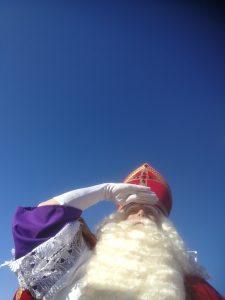 Sinterklaas op marktbezoek